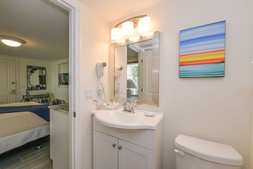 Studio Queen - Siesta Key Vacation Rentals