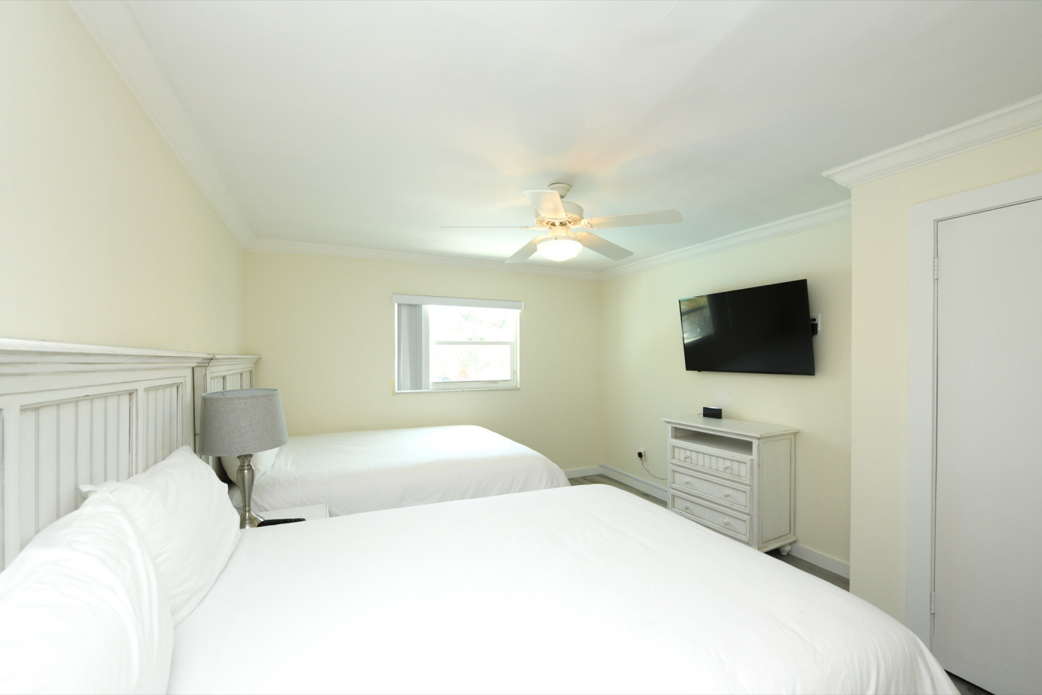 One bedroom Suite Sleeps 6