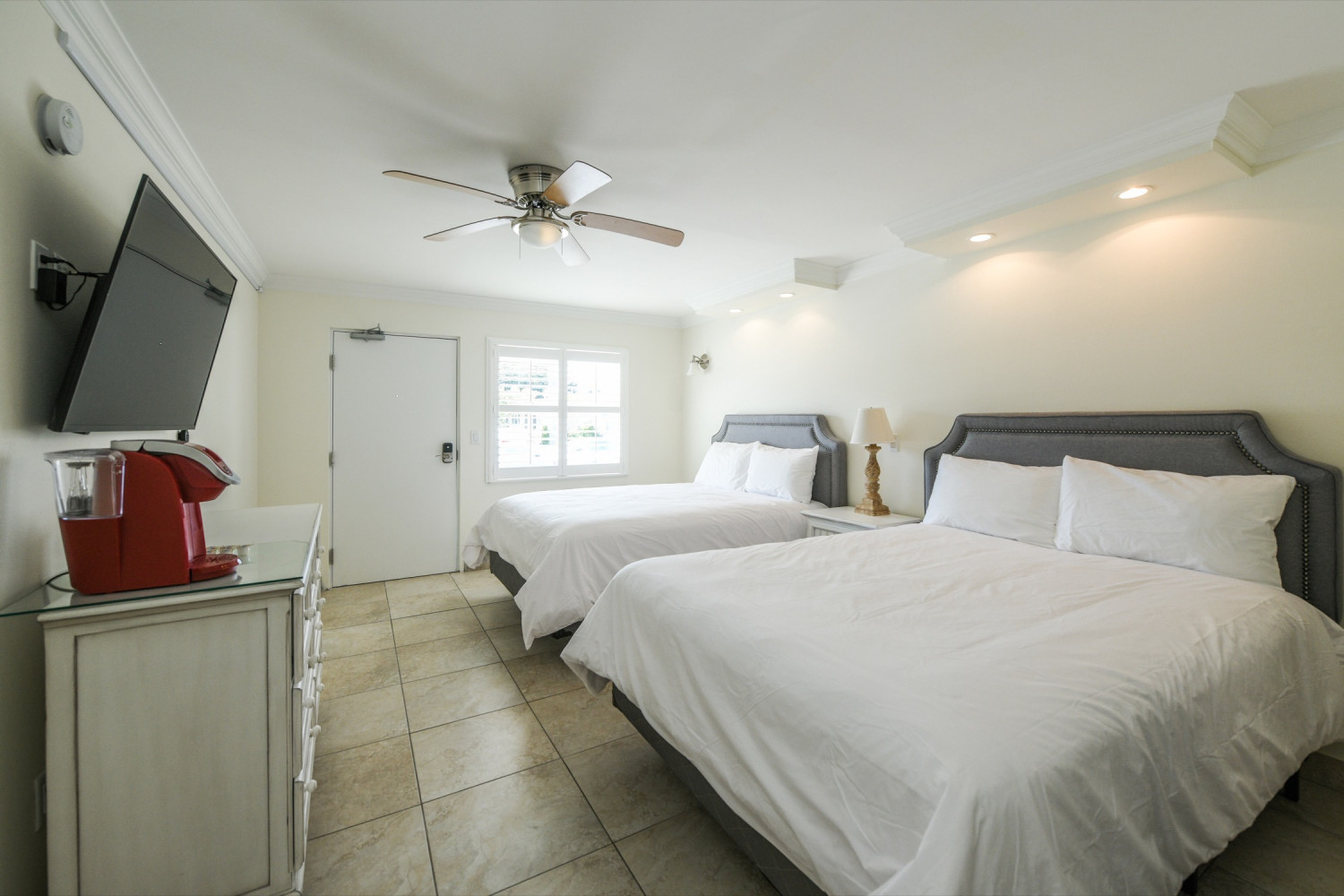 Studio with 2 queen beds - Siesta Key Vacation Rentals