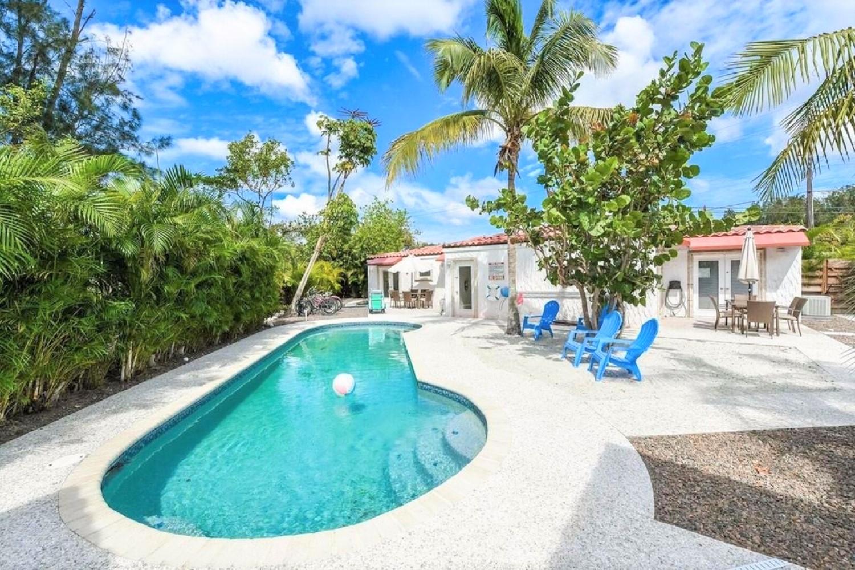 La Estrella East- 2 Bedroom, 2 Bath- Sleeps 6 - Siesta Key Vacation Rentals