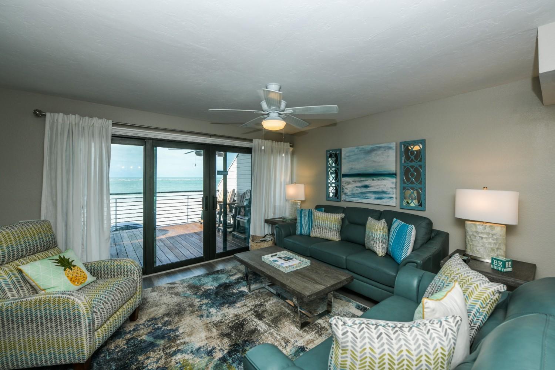 4 Bedroom Beachfront Home-Sleeps 12