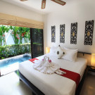 Coconut Grove Boutique Hotel and Cafe