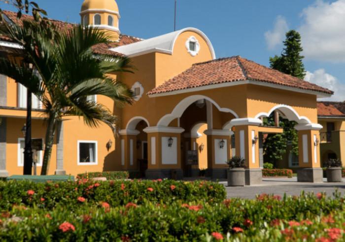 Amatique Bay Hotel