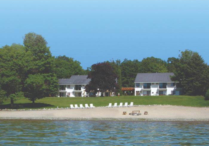 The Vineyard Inn on Suttons Bay