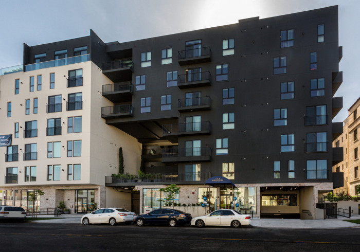One Lux Stay at Mariposa on 3rd