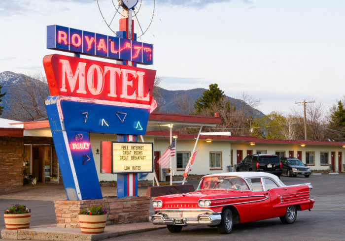 Royal 7 Motel