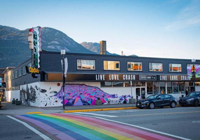 Crash Hotel Squamish