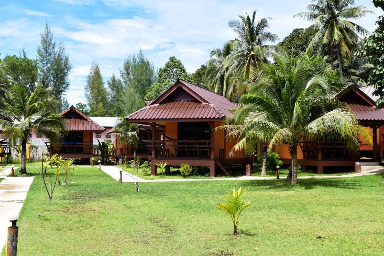Lanta Pearl Beach Resort - Ko Lanta, Thailand - Best Price Guarantee