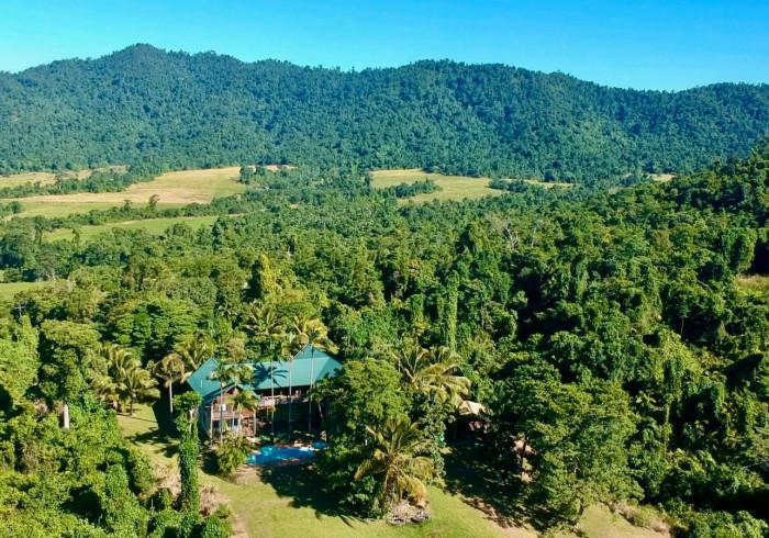 Jackaroo Treehouse Rainforest Retreat